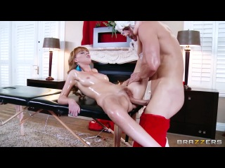 Shiatsu Santa – Marie McCray & Johnny Sins (Dirty Masseur)